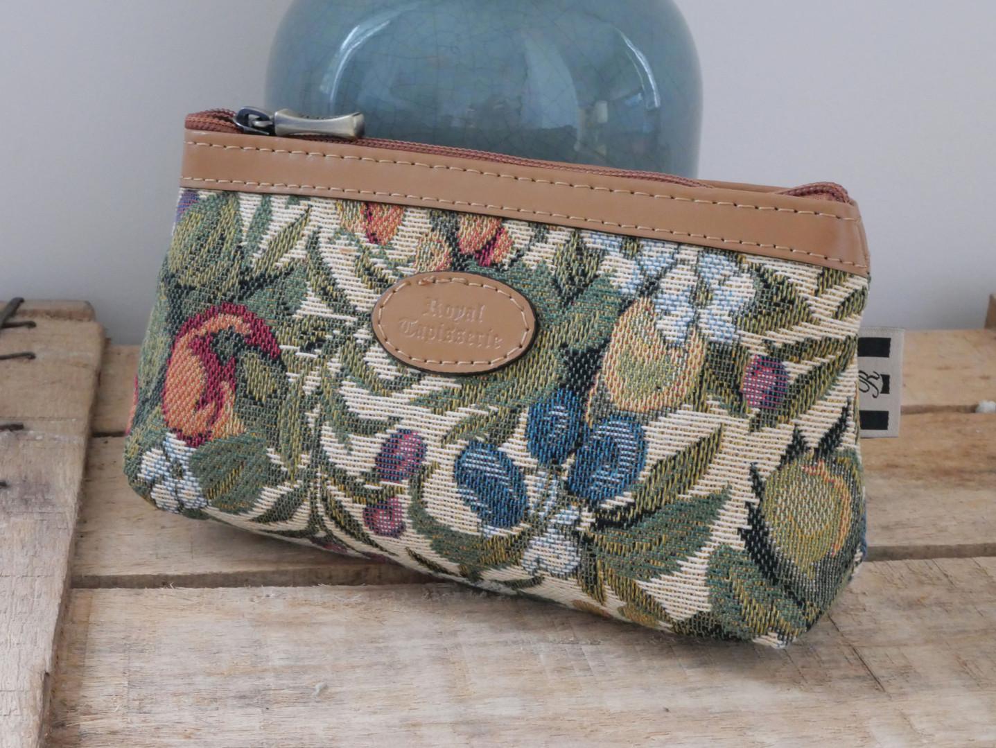 """Trousse maquillage de la collection """"Fleurs de Prunier"""" (ref 8850.1) Royal Tapisserie / Pencil case tapestry"""
