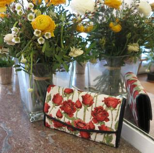 Compagnon Roses Rouges (porte monnaie / portefeuille) Royal Tapisserie