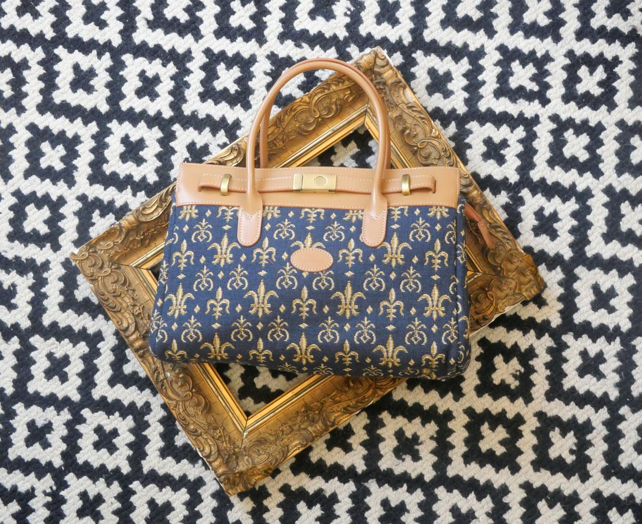 """Sac à main de la collection """"Fleurs de Lys bleu"""" (ref 8967.9) Royal Tapisserie / Handbag tapestry"""