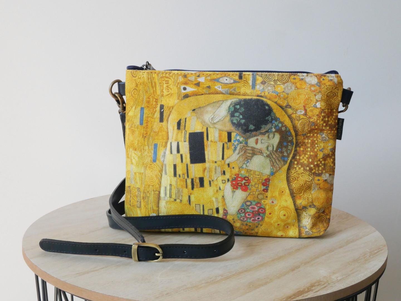 """Maison Martin par Royal Tapisserie sac bandoulière """"Le Baiser"""" de Gustav Klimt (référence 8972K1)"""