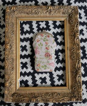 """Etui à lunettes rétro de la collection """"Broché de la Reine Marie-Antoinette"""" (ref 405.65) Royal Tapisserie glasses case tapestry"""