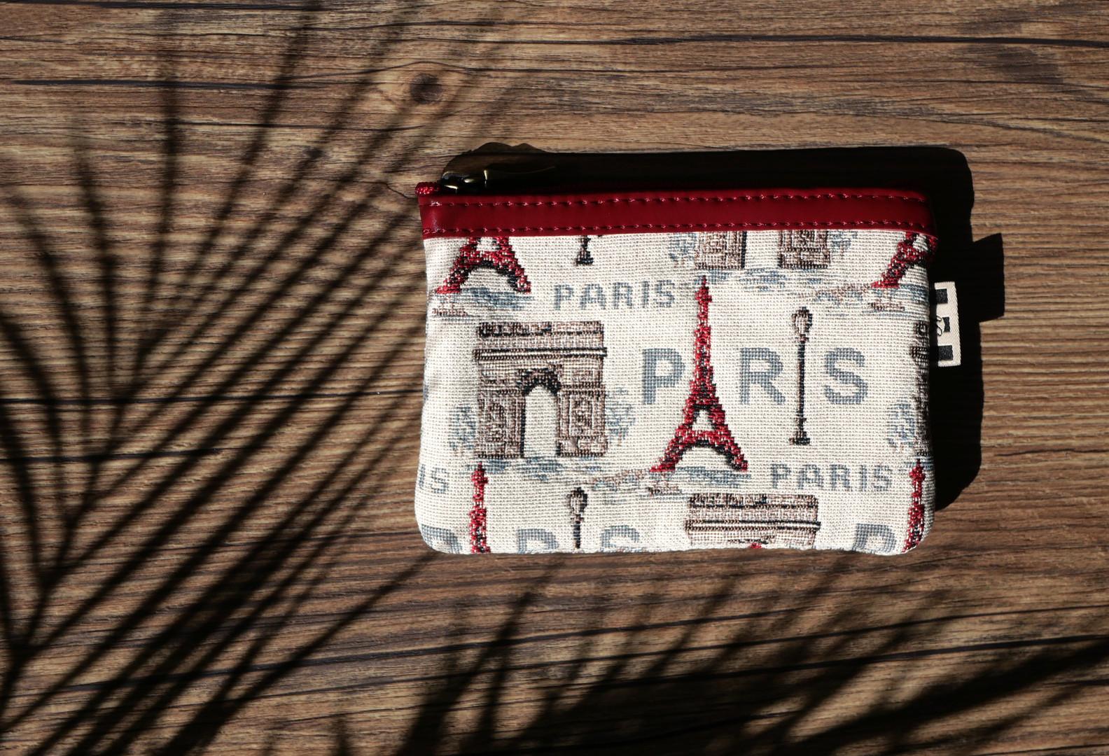 431.50 Pochette plate Rouge Paris