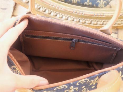 """Sac à main de la collection """"Fleurs de Lys fond bleu"""" (ref 8945.9) Royal Tapisserie / Handbag tapestry"""