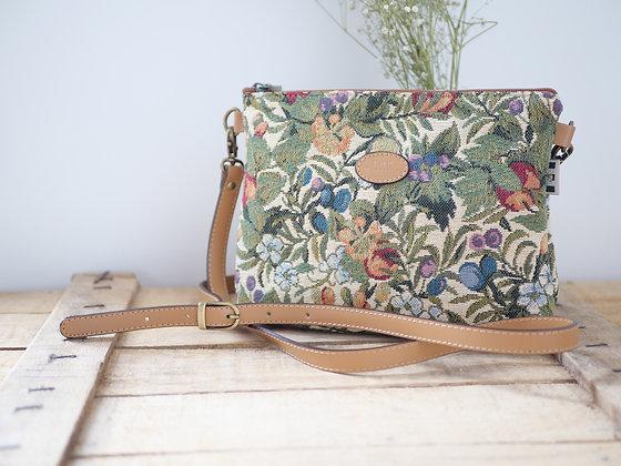 Sac bandoulière Fleurs de Prunier Royal Tapisserie sac à main coussin handbag tapestry cushion available France