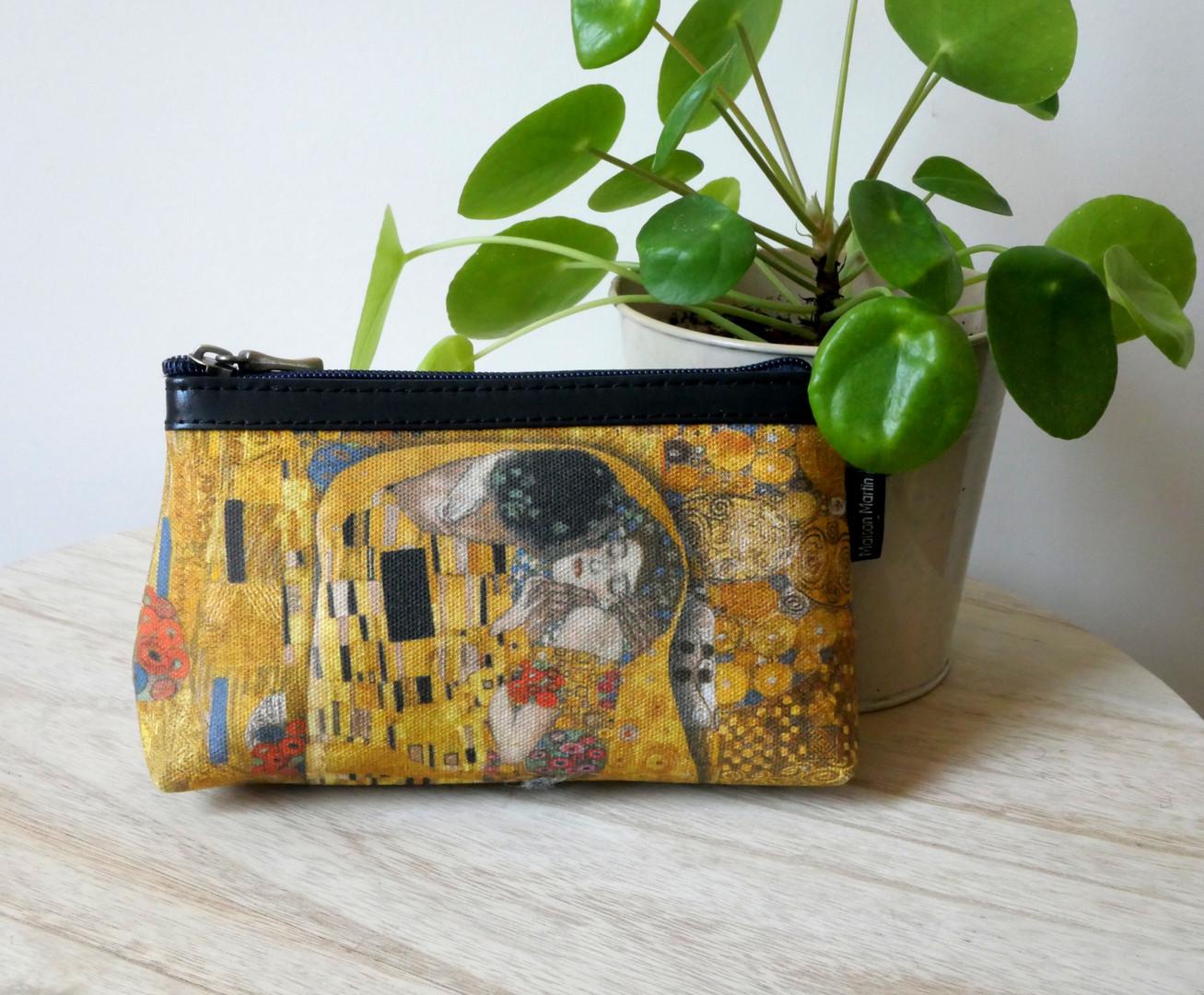 """Maison Martin par Royal Tapisserie trousse maquillage """"Le Baiser"""" de Gustav Klimt (référence 8850K1)"""