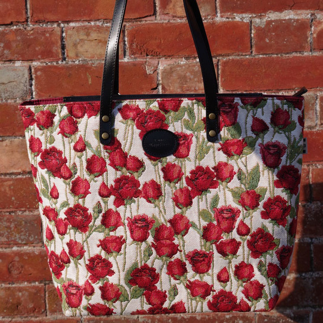 "Sac shopping motif ""Roses Rouges"" (ref 8976.66) Royal Tapisserie / Shopping bag tapestry"