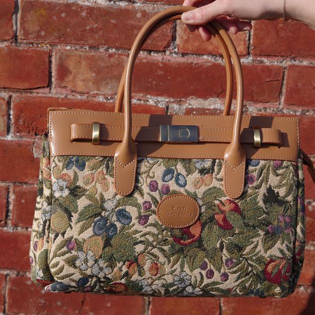 "Sac à main dessin ""Fleurs de Prunier"" (ref 8967.1) Royal Tapisserie / Handbag tapestry"
