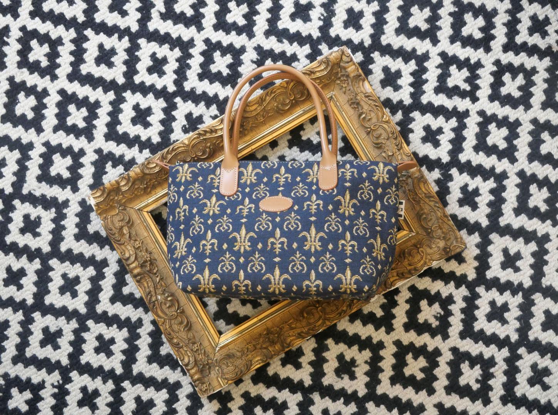 """Sac à main de la collection """"Fleurs de Lys bleu"""" (ref 8945.9) Royal Tapisserie / Handbag tapestry"""