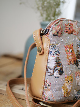 "Sac bandoulière de la collection ""Chatons"" (ref 8901.71) Royal Tapisserie / Shoulder bag tapestry"