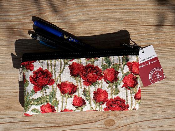 8929.66 Trousse à stylos Roses Rouges