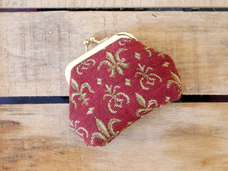 """Porte-monnaie retro de la collection """"Fleurs de lys rouge"""" (ref 402.83) Royal Tapisserie / coin purse tapestry"""