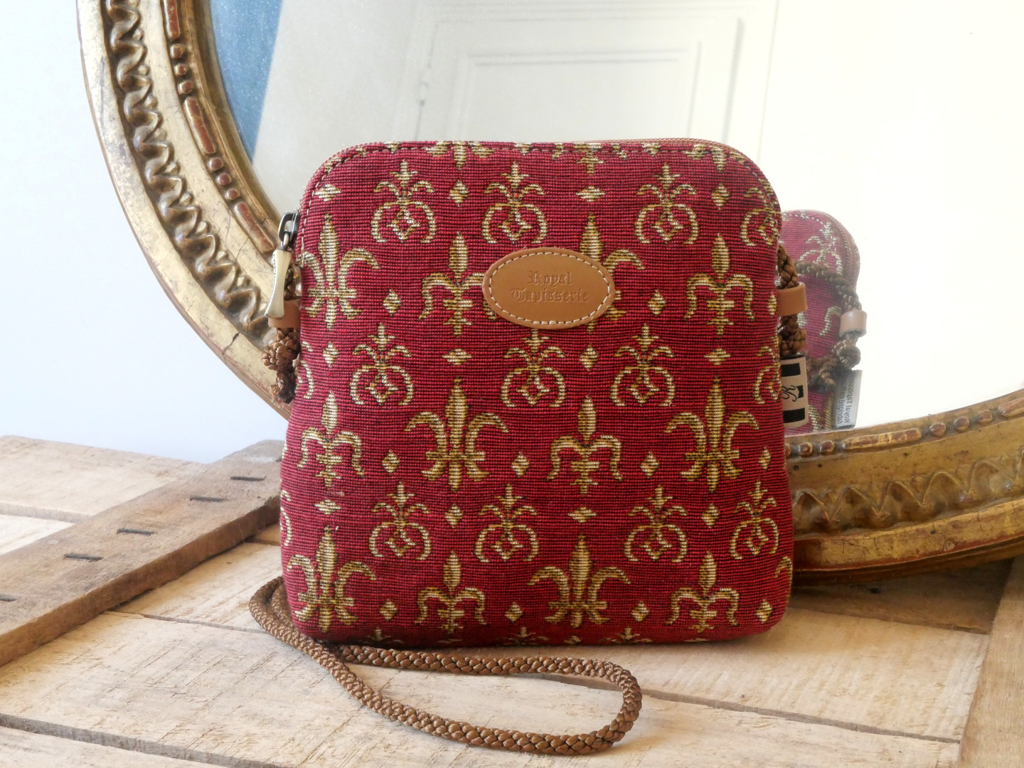 "Petit sac 3 courses de la collection ""Fleurs de Lys rouge "" (ref 8971.83) Royal Tapisserie / Shopping bag tapestry"
