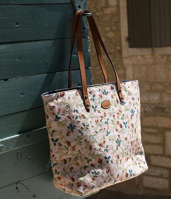 royal tapisserie sac fabriqué en france sac en tapisserie rsac royal tapisserie murale coussin en tapisserie handbag tapestry made in france handbag royal tapestry handbag royal tapisserie