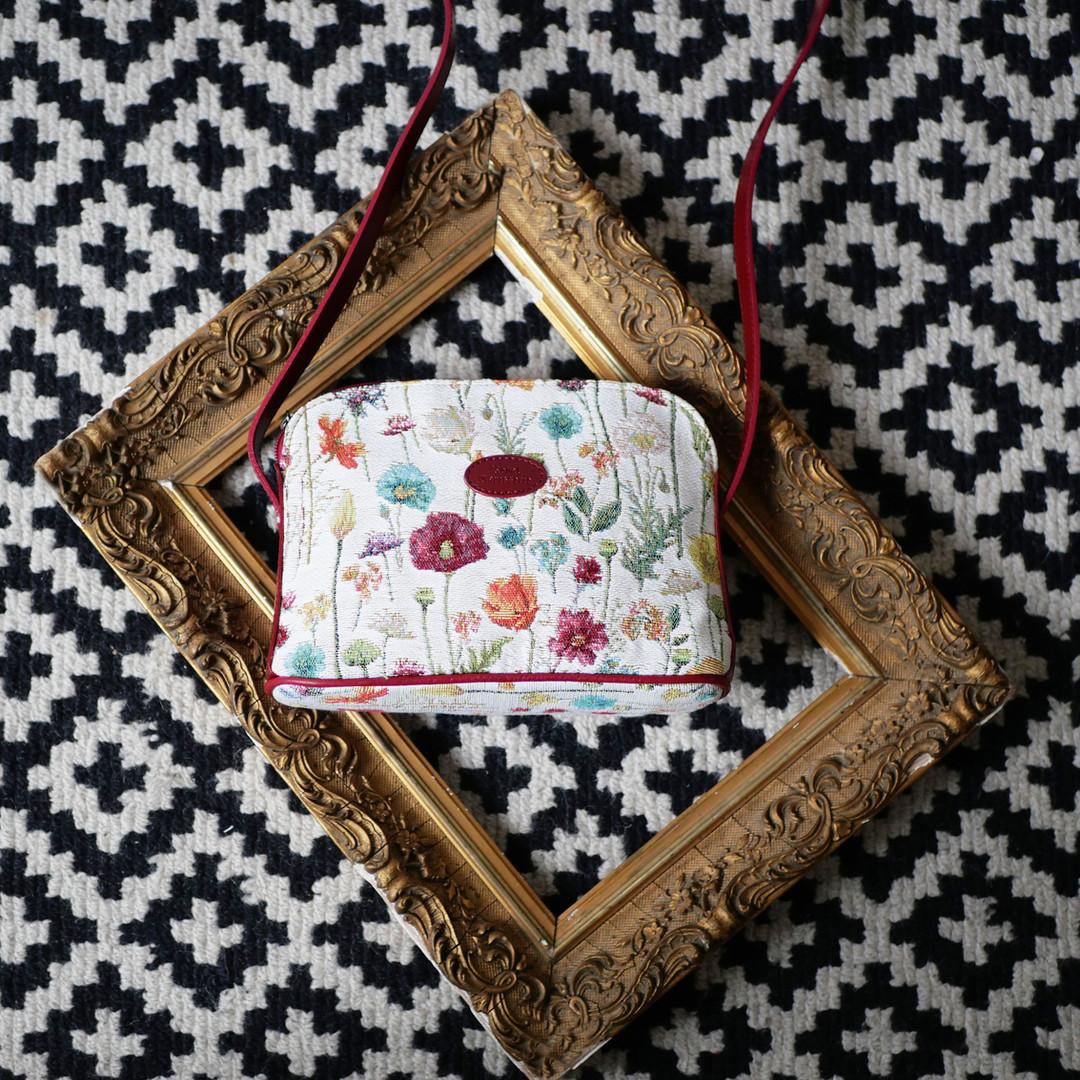 """Sac bandoulière de la collection """"Fleurs des Champs"""" (ref 8901.74) Royal Tapisserie / Shoulder bag tapestry"""