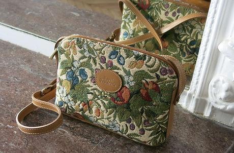 royale tapisserie royal tapisserie coussin sac à main fleurs lys french tapestry bag handbag cushion