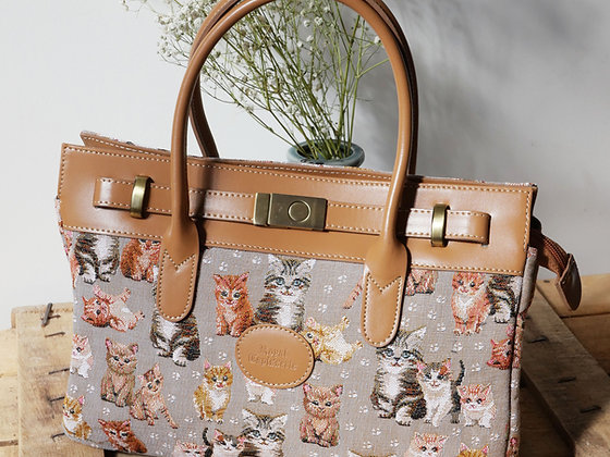 Sac à main chat chatons Royal Tapisserie pochette trousse coussin handbag tapestry cushion pencil case cat kittens France