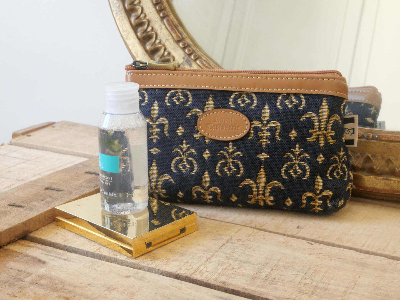 """Trousse maquillage de la collection """"Fleurs de Lys bleu"""" (ref 8850.9) Royal Tapisserie / Pencil case tapestry"""