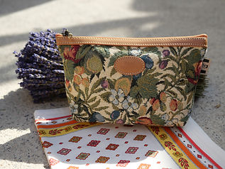 Trousse / pochette Royal Tapisserie pencil case tapestry royal handbag tapestry trouse lanvande lanvander france