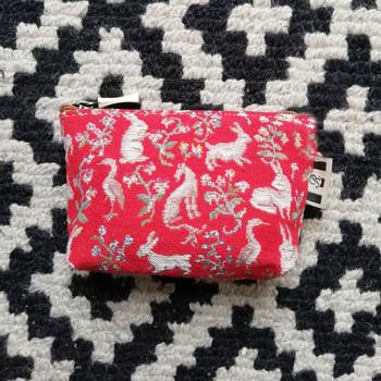 """Porte-monnaie de la collection """"Mille Fleurs"""" issu de La Dame à la Licorne (ref 419.64) Royal Tapisserie / coin purse tapestry from the """"Lady and the Unicorn"""""""