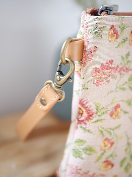 """Sac bandoulière de la collection """"Broché de la Reine Marie-Antoinette"""" (ref 8972.65) Royal Tapisserie / Shoulder bag tapestry"""