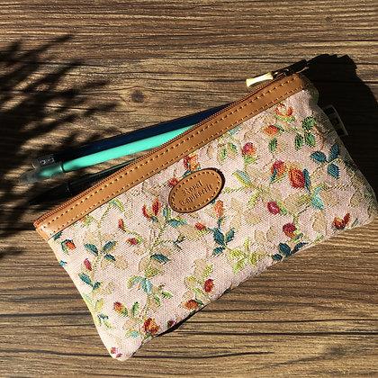 trousse à stylos fabriquée en france trousse à crayons sac à fleurs fabriqué en france tapisserie royale sac royal tapisserie