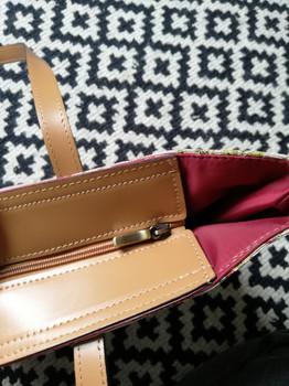 """Sac shopping de la collection """"Broché de la Reine Marie-Antoinette"""" (ref 8976.65) Royal Tapisserie / Shopping bag tapestry"""