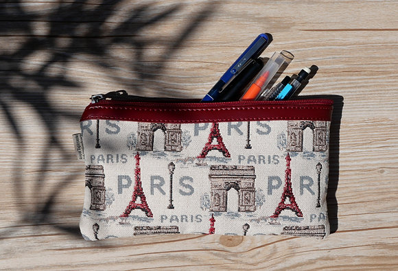 8929.50 Trousse à stylos Rouge Paris