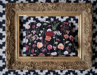 """Trousse de toilette de la collection """"Des Fleurs en Hiver"""" (ref 8881.76) Royal Tapisserie"""