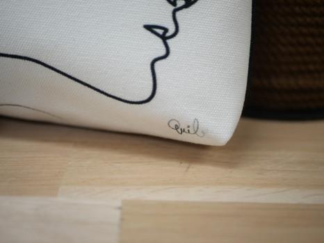"""Sac bandoulière QUIBE """"Presque Blanc"""" Référence 8901PB"""