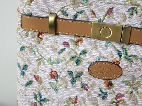 """Sac rectangle bandoulière de la collection """"Printemps""""  Référence: 8974.85 Royal Tapisserie"""