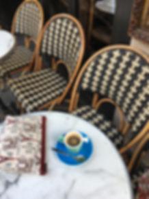 royale tapisserie royal tapisserie sac à main tour eiffel paris coussin fleurs de lys tissage jacquard france french tapestry bag cushion lily flower eiffel tower handbag woven made in france