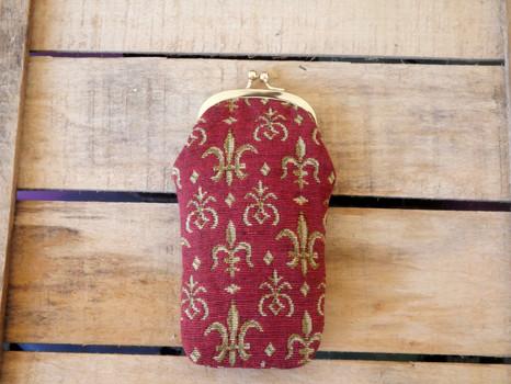 """Etui à lunettes rétro de la collection """"Fleurs de Lys rouge"""" (ref 405.83) Royal Tapisserie / Glasses case tapestry"""