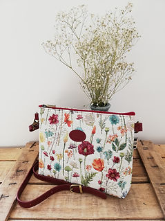 sac à main Royal Tapisserie fabriqué en france coussin tapisserie murale pencil case tote bag handbag tapestry royal handbag tapestry fleurs papillons flowers france cushion