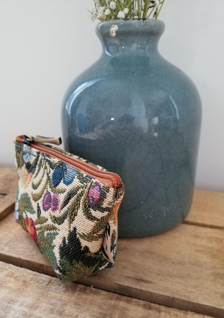 """Porte-monnaie de la collection """"Fleurs de Prunier"""" (ref 419.1) Royal Tapisserie / coin purse tapestry"""