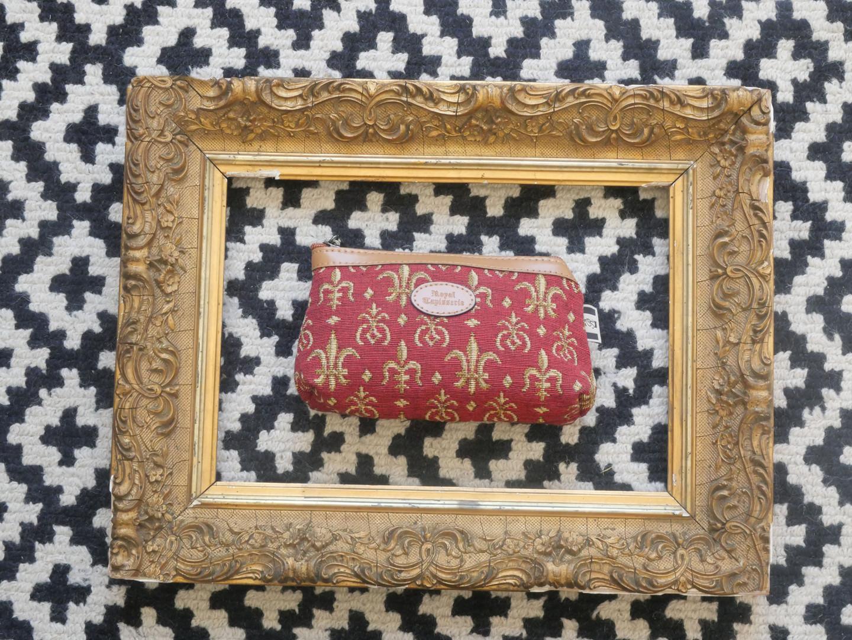 """Trousse maquillage de la collection """"Fleurs de Lys rouge"""" (ref 8850.83) Royal Tapisserie / Pencil case tapestry"""