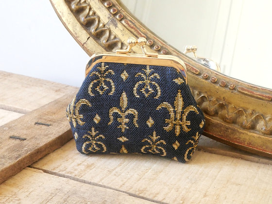 porte monnaie fleurs de lys bleu trousse coussin Royal Tapisserie tapestry handbag pencil case cushion coin purse paris lily