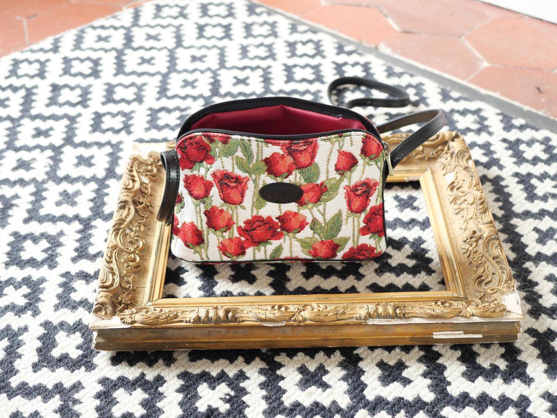"Sac bandoulière de la collection ""Roses Rouges"" (ref 8901.66) Royal Tapisserie / Shoulder bag tapestry"