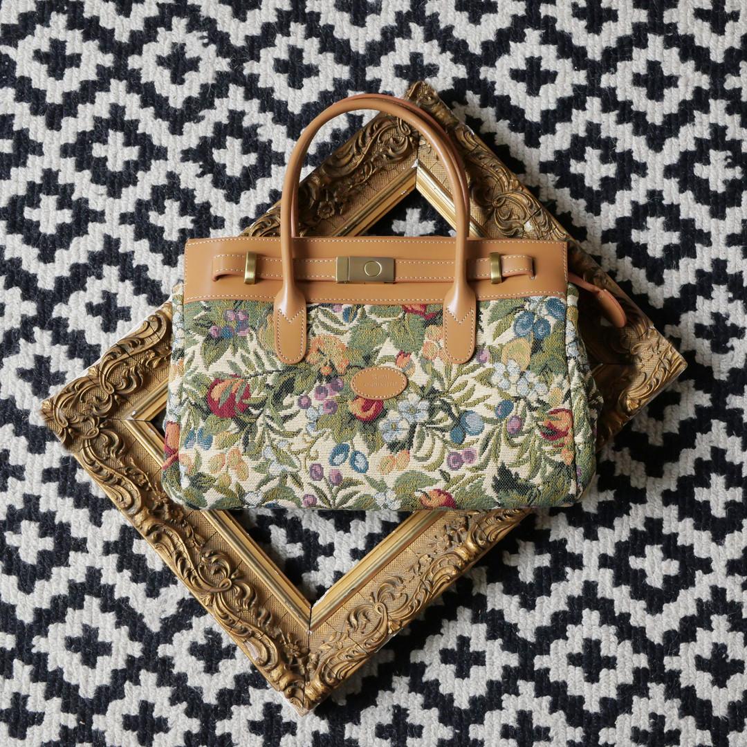 """Sac à main de la collection """"Fleurs de Prunier"""" (ref 8967.1) Royal Tapisserie / Handbag tapestry"""
