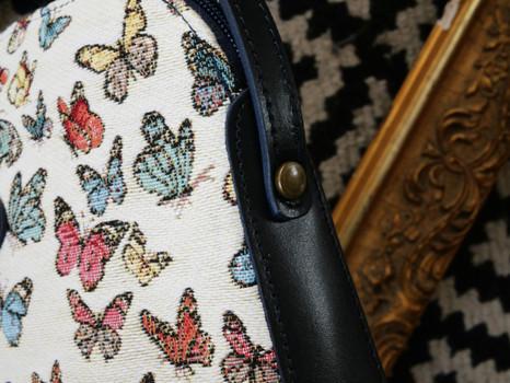 """Sac bandoulière de la collection """"Papillons"""" (ref 8901.68) Royal Tapisserie / Shoulder bag tapestry"""