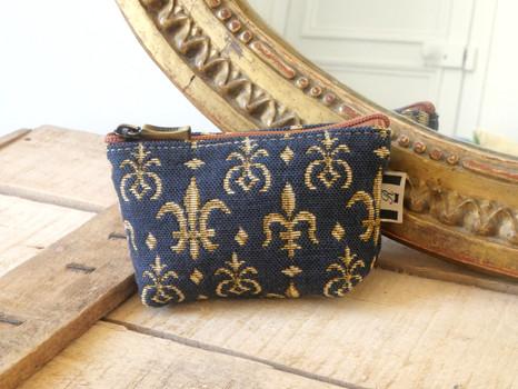 """Porte-monnaie zippé de la collection """"Fleurs de Lys fond bleu"""" (ref 419.9) Royal Tapisserie / coin purse tapestry"""