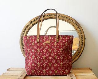 Tapisserie royale sac fabriqué en france fleurs de lys rouge (existe aussi en coussin et pochettes)
