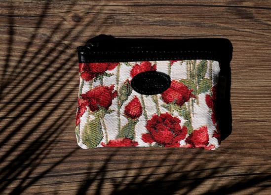 431.66 Pochette plate Roses Rouges