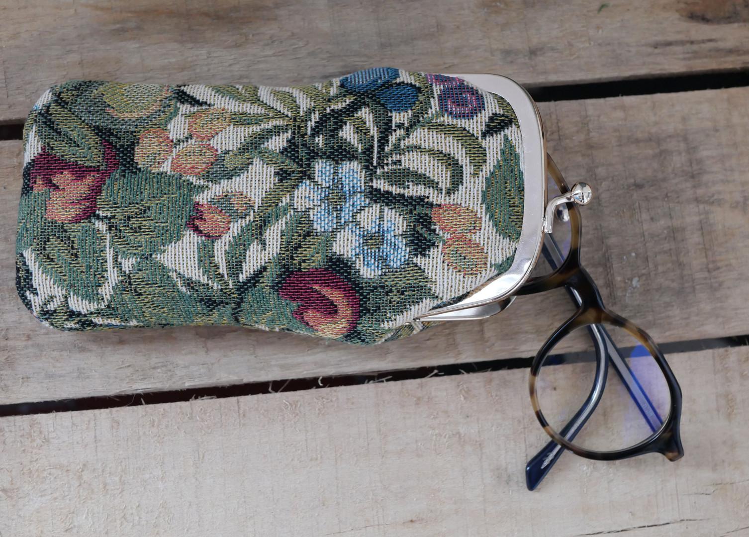 """Etui à lunettes rétro collection """"Fleurs de Prunier"""" (ref 405.1) Royal Tapisserie / Glasses case tapestry"""