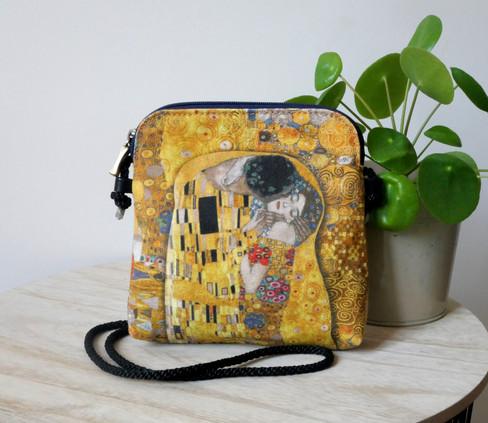 """Maison Martin par Royal Tapisserie petit sac cordon """"Le Baiser"""" de Gustav Klimt (référence 8971K1)"""