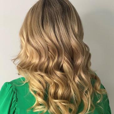 blonde_hair_extensions1.JPG