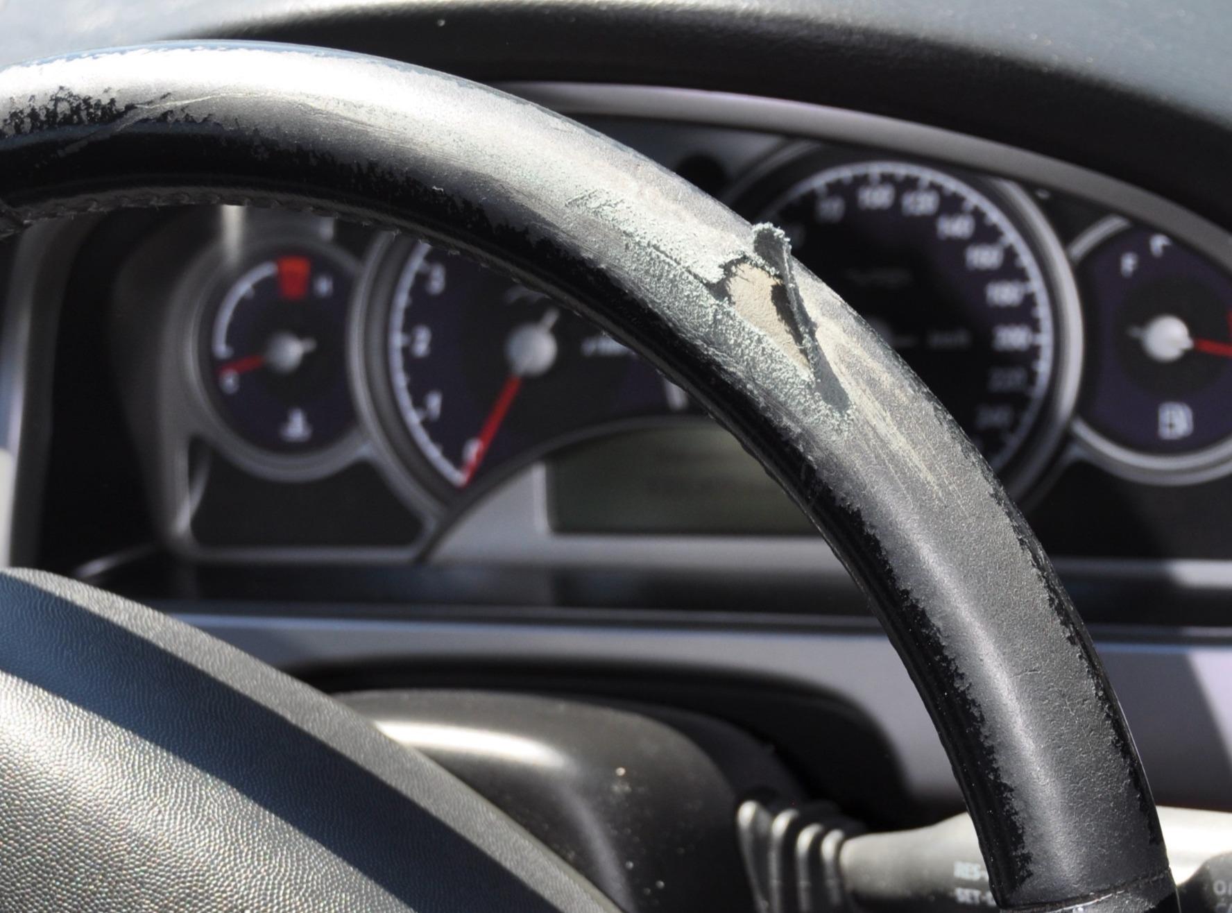 steering wheel - before