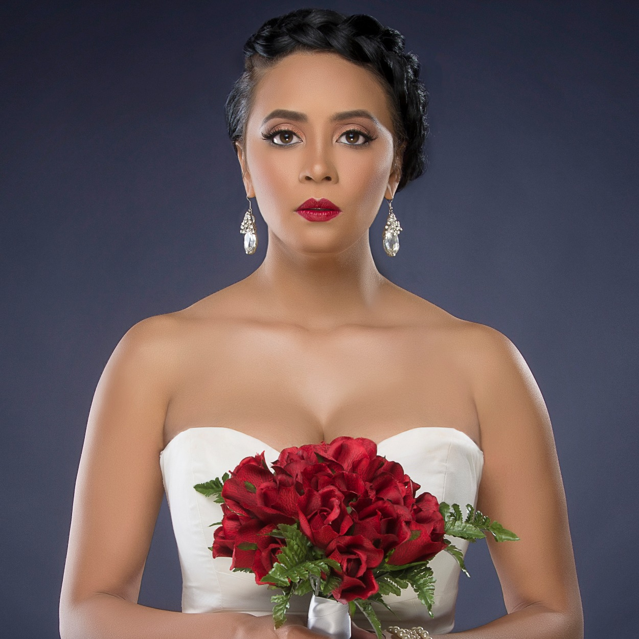 Bridal portrait makeup by Moni