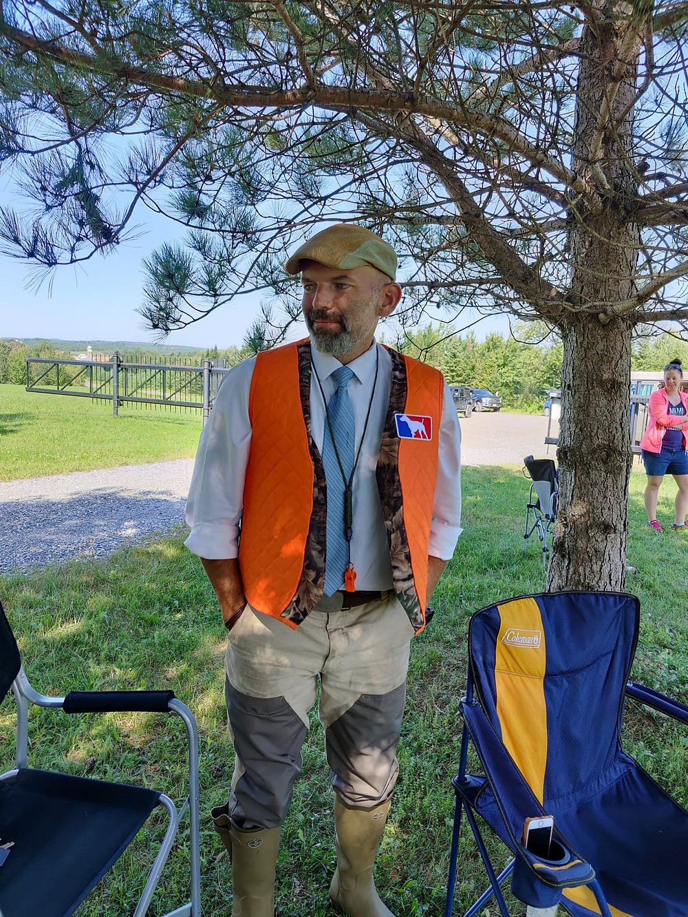 Me wearing my hunting vest at Mobby's NAVHDA UT test. Notice that I'm wearing my lucky tie as well.  My hunting dogs. chiens de chasse. Tests. NAVHDA
