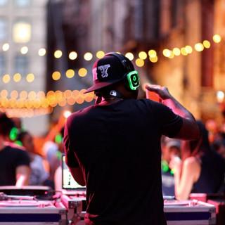 SD DJ Behind.jpg