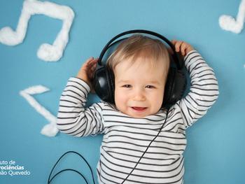 O que pode ajudar no desenvolvimento da linguagem nas crianças? Música!
